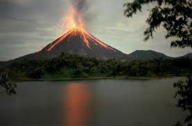 Volcán Arenal Mejores lugares para visitar en Costa Rica